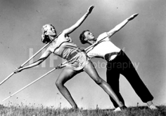 Alfred Eisenstaedt,  Teenage boy and girl prepare to throw javelin, 1931