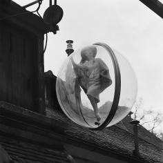 Melvin Sokolsky, On the Roof, Paris, 1963