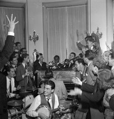 Slim Aarons, Impromptu Concert in Rome with Louis Armstrong, 1948