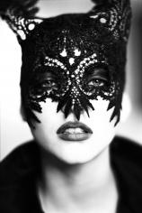 Ellen von Unwerth, Mask: Nadja Auermann, VOGUE UK, Paris, 1991