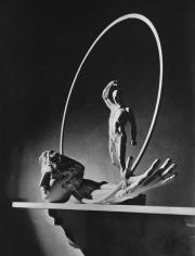 Horst, Still Life, Houden, Hoop, 1937