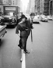 William Helburn, Simone D'Aillencourt Crossing the Street, Park Avenue South, ca. 1959