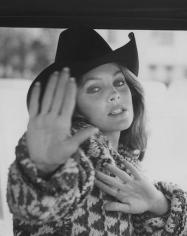 Ron Galella, Priscilla Presley, Wilshire Boulevard, Los Angeles, 1980