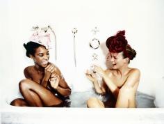 Ellen von Unwerth, Bathtub, Naomi Campbell and Kate Moss, VOGUE, 1996