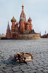 Steve McCurry, Dog Sleeps near St. Basil's Cathedral, Moscow, Russia, 1993