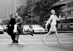 Arthur Elgort, Nadja Crossing Park Avenue, New York, VOGUE, 1995