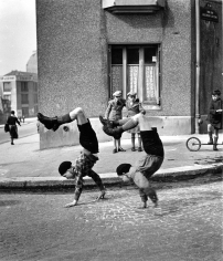 Robert Doisneau, Les Deux Frères (The Two Brothers), Paris, France, 1934