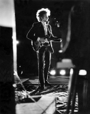 Daniel Kramer, Bob Dylan (Backlit), Forest Hills Stadium, New York, 1964