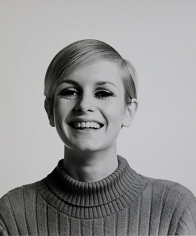 Bert Stern, Twiggy, 1967 (Smiling)