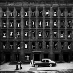 Ormond Gigli, Girls in the Windows, New York, 1960