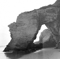 Andre de Dienes, The Arch as Seen from the South, Los Angeles, California 1950s