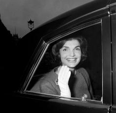 Harry Benson, Jacqueline Kennedy waving in car, London, 1962
