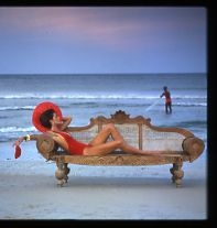 Norman Parkinson, Pilar Crespi, Trincomalee Beach, Sri Lanka, 1980