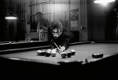 Daniel Kramer, Bob Dylan Playing Pool, Kingston, New York, 1964