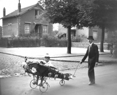 Robert Doisneau, L'Aéroplane de Papa, 1934