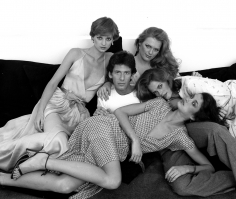 Harry Benson, Calvin Klein with Shaun Casey, Patti Hansen, Lisa Taylor, and Janice Dickinson, New York, 1978