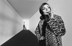 """Bob Willoughby, Anne Bancroft and Dustin Hoffman on a specially constructed set at Paramount during filming of """"The Graduate"""", 1967"""