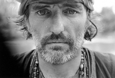 Mary Ellen Mark, Dennis Hopper on the set of Apocalypse Now,  Pagsanjan, Philippines, 1976