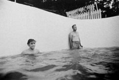 Alfred Wertheimer, Elvis and Vernon in the Pool, 1956