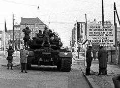Harry Benson, American Tanks, Checkpoint Charlie, Berlin, 1961