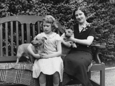 Cecil Beaton, Queen Elizabeth and her mother the Queen Mum, Studio Lisa, c.1932
