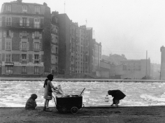 Robert Doisneau, Les Glaneurs de charbon (The Coal-Pickers), Aubervilliers, France, 1947