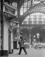 William Helburn, Ward Purdy in Penn Station, c. 1960
