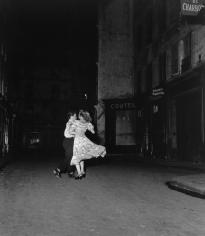 Robert Doisneau, La Derniere Valse du 14 Julliet, 1949