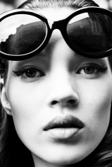 Stephanie Pfriender Stylander, Kate Moss (Seek), New York, Italian Harper's Bazaar, 1992