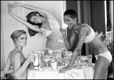 Arthur Elgort, Patti Hansen, Lisa Taylor, and Beverly Johnson, San Francisco, 1976