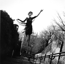Melvin Sokolsky, Fly High, Paris, 1965