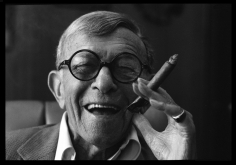 Harry Benson, George Burns, 1988