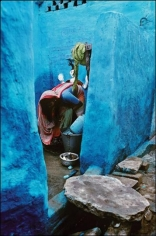 Raghu Rai Woman at Work Edition of 10 1989 Digital scan of photographic negative on archival paper 27 x 18 in.