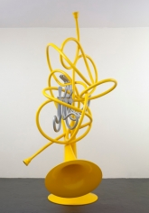 Claes Oldenburg and Coosje van Bruggen. French Horns, Unwound and Entwined, 2005. 350 x 140 x 170 cm. © 2005 Claes Oldenburg and Coosje van Bruggen. Photo courtesy the Oldenburg van Bruggen Studio and Pace.