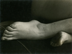 Edward Weston- Feet, 1933 Gelatin silver print, printed c. 1933 | Bruce Silverstein Gallery