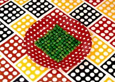 Sandy Skoglund - Peas on a Plate, 1978 | Bruce Silverstein Gallery