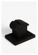 Seher Shah, Untitled (hammerhead), 2015, Cast iron, 11x 10x 16 cm