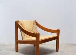 Carimate Lounge Chair / Vico Magistretti