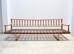 Sofa / Frank Kyle