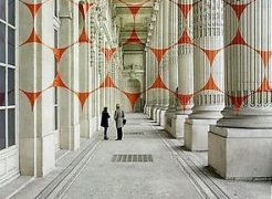 A new work by Felice Varini exhibited at Grand Palais, Paris