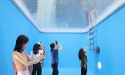 Exhibition exploring Chinese culture by artist Leandro Erlich becomes a hit in Beijing