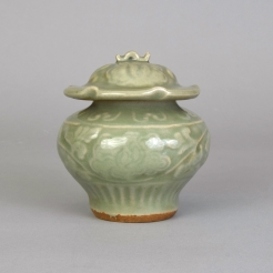 A Small Longquan Celadon Carved Jar and Cover, Guan