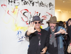"""SMILE"" exhibition by Alejandro Sanz and Domingo Zapata"