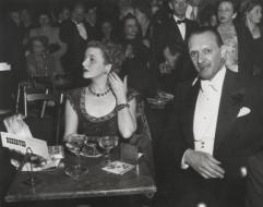 Exhibition announcement picturing Arthur Leipzig, Opening Night, Metropolitan Opera 1946