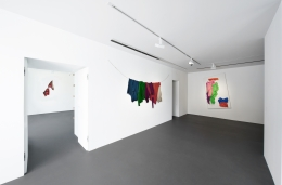 Installation view: Stephen Posen, Threads: Paintings from the 1960s and '70s, Vito Schnabel Gallery, St. Moritz