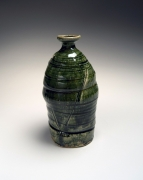 Okabe Mineo (1919-1990), Mino ware Oribe typetokkuri-style vase with alternating carved banding