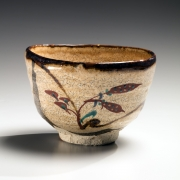 Aka-e teabowl with flower motif on a beige ground, ca. 1974