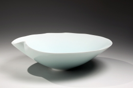 Cho (Omen); Porcelain low bowl with pinched rim, 2010