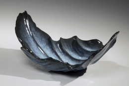 WAKAO KEI (b. 1967), Blue celadon craquelure sweeping wave-inspired vessel