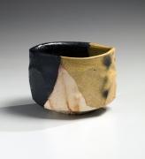 Katō Yasukage (1964-2012), Mino ware, Kiseguro (Yellow and Black Seto) teabowl with hidasuki (straw burn marks)